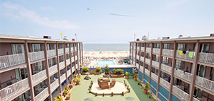 Courtyard of Flagship Oceanfront Hotel