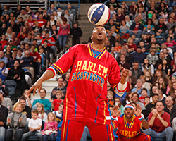 Harlem Globetrotter on the court