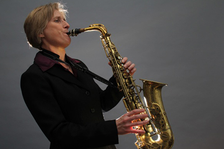 Photo of musician Anita Thomas
