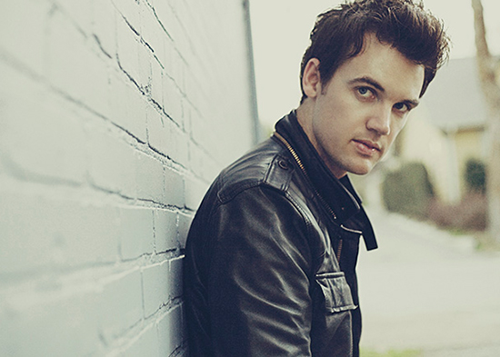 Press photo of Tyler Hilton