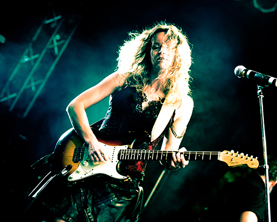 Press photo of Ana Popovic