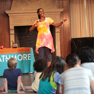 Woman telling stories to children at Strathmore