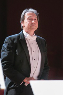 Edward Polochick conducting the BSO