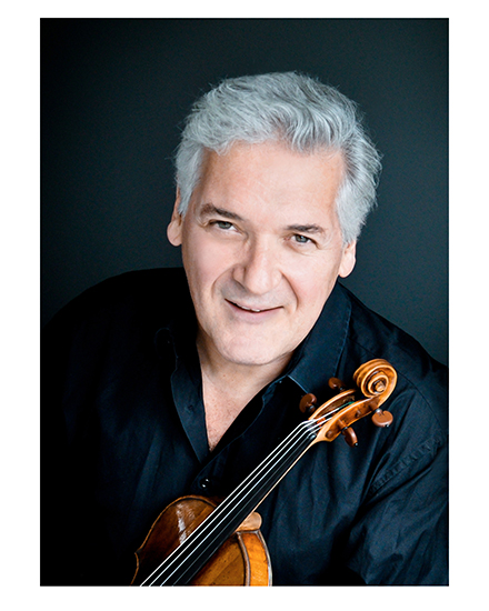 Pinchas Zukerman with his violin