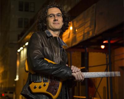 Oscar Peñas - jazz guitarist
