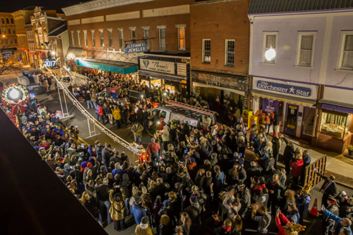 Cambridge's New Year's Eve Boat Drop