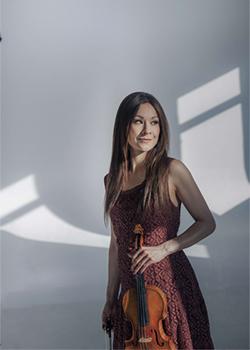 Arabella Steinbacher performs Korngold's Violin Concerto in D Major