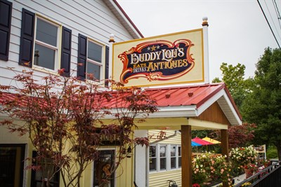 Buddy Lou's Eats, Drinks & Antiques