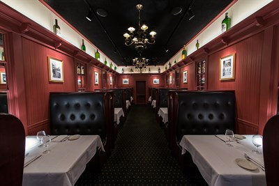 Lewnes' Steak House interior