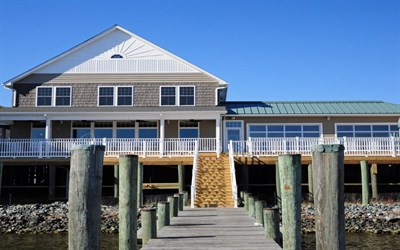 The Lighthouse Restaurant & Dock Bar exterior view