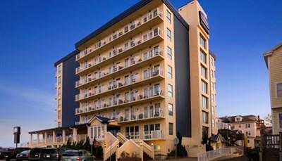 Howard Johnson-Oceanfront Plaza Hotel