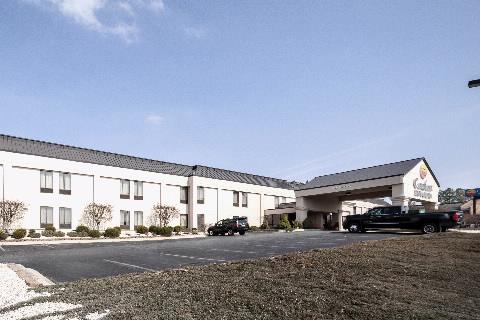 Comfort Inn & Suites-Edgewood exterior