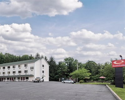 Rodeway Inn-LaVale exterior