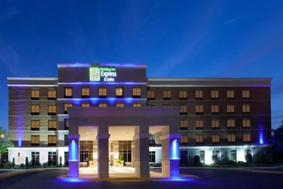 Holiday Inn Express & Suites-Laurel Lakes exterior