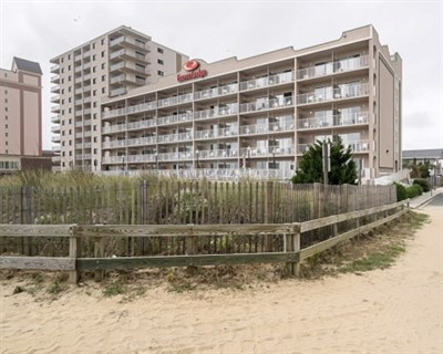 Econo Lodge-Oceanfront/Ocean City beach exterior
