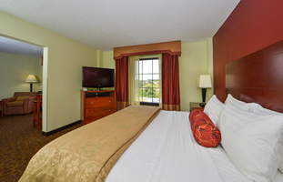 Room image at Best Western Plus Hotel & Suites-Baltimore North