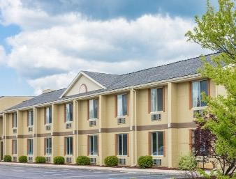 Days Inn & Suites-Frostburg exterior view