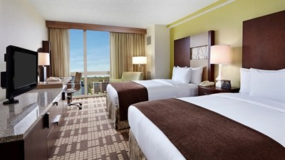 Guest room (double) at DoubleTree by Hilton-Washington, DC/Silver Spring