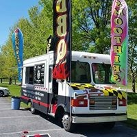 Smoke Rattle and Roll food truck