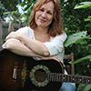 Photo of Iris Dement