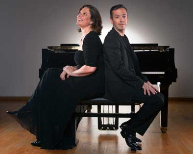 Photo of pianists Luis Magalhaes and Nina Schumann