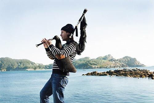 Multi-instrumental virtuoso Carlos Núñez
