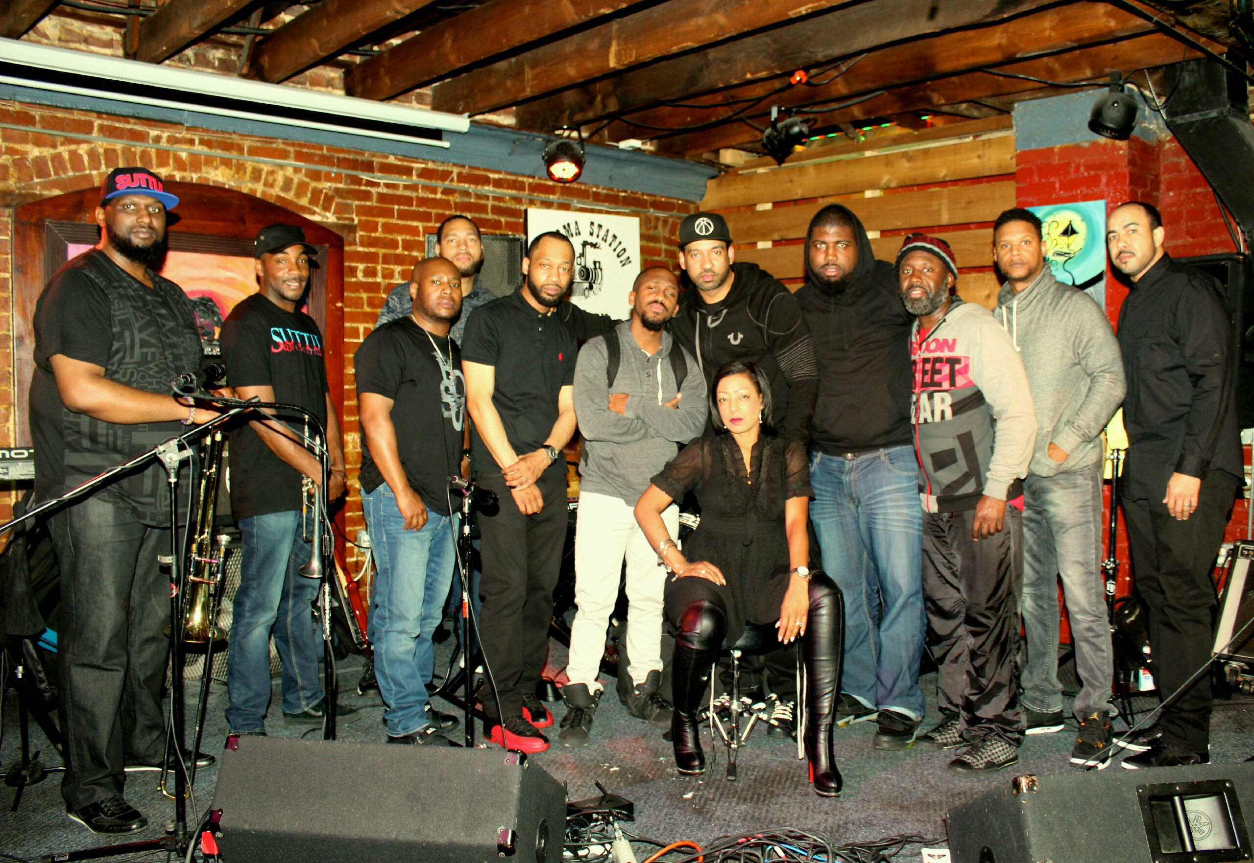 Photo of the Band, Suttle
