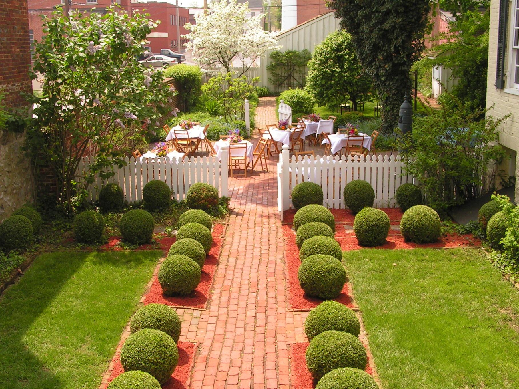 Miller House Gardens