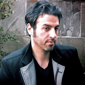 Photo of singer Ari Hest