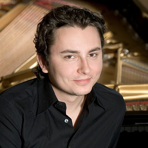 Internationally acclaimed pianist Martin Labazevitch