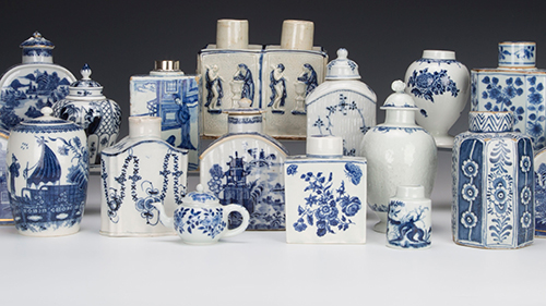 Blue and white tea caddies