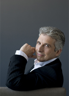 Peter Oundjian conducts the BSO