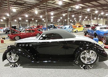 Custom Cars at the Show