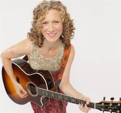 Laurie Berkner and her Guitar