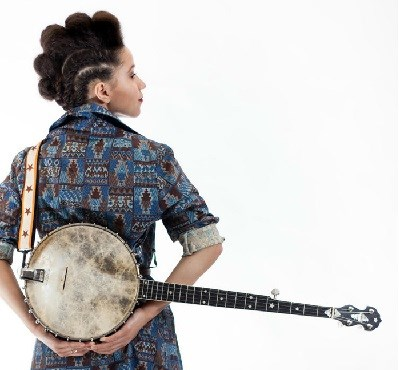 image of kaia kater with banjo