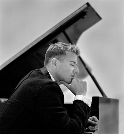 Jean-Yves Thibaudet, Piano
