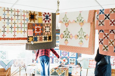 Quilts Hing Up for Sale