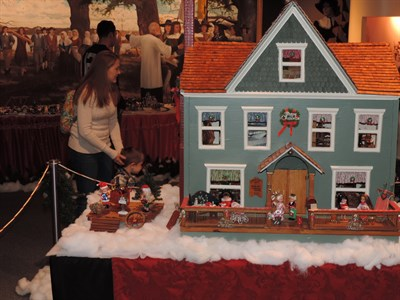 St. Clement's Island Doll & Train Holiday Exhibit