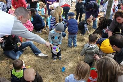 Little ones hunt for eggs in White Horse Park.