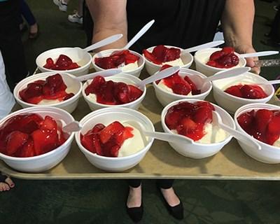 Vanilla Ice Cream with Fresh Strawberries