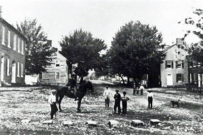 Very early photo of people in Sharpsburg