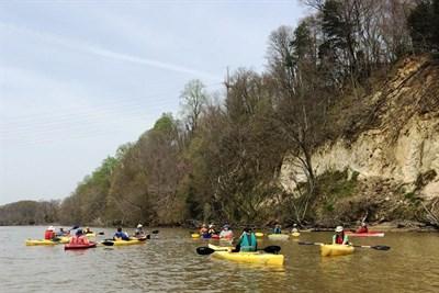 Kayaking at Kings Landing Park