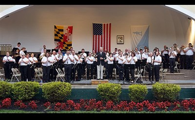Hagerstown Municipal Band plays in the band shell