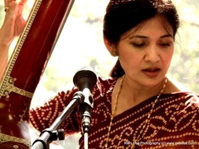 Samia Ahmad