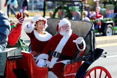 Santa Clause and Mrs. Clause in OC Christmas Parade