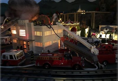 Train Garden with firefighting scene
