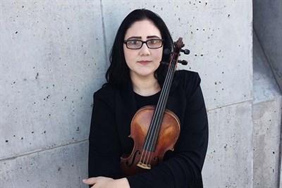 Dr. Alexandra Birch, violinist