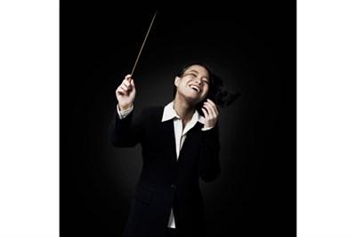 Carolyn Kuan, conductor