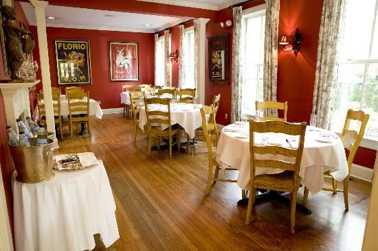 photo of Mason's dining room