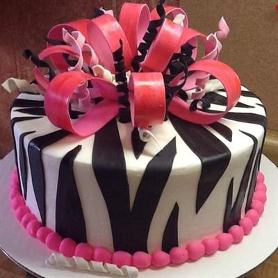 Lorenzo's Frostburg Bakery cake